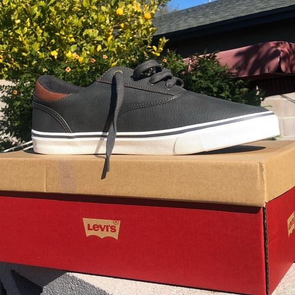 Men's Levi's casual shoes